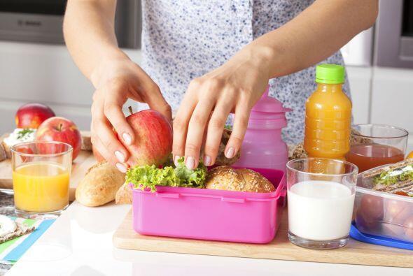Uno de cada tres niños en EE.UU. sufre de sobrepeso, debido, en p...