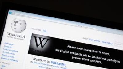 Wikipedia señala que el proyecto dañaría el libre acceso a Internet.