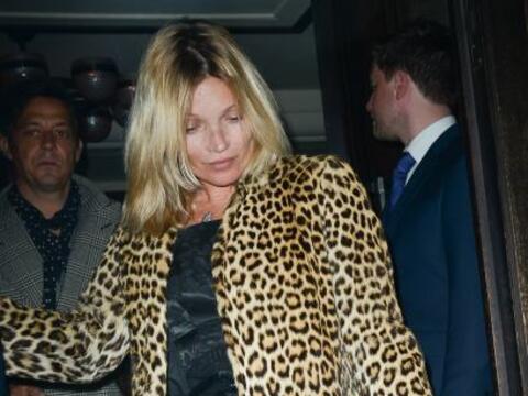 Así terminó Kate Moss su cumpleaños 40.Mira aqu&iac...