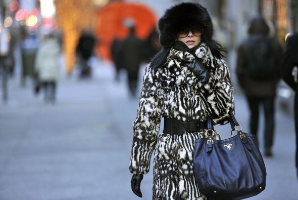 En Nueva York el desfile de abrigos domina las calles.
