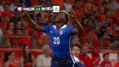 Goooolll!! Gyasi Zardes mete el balón y marca para Estados Unidos