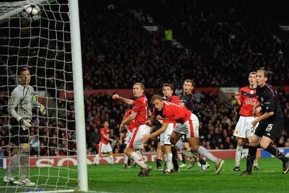 Paul Scholes inició la reacción del 'Man-U' con este gol c...