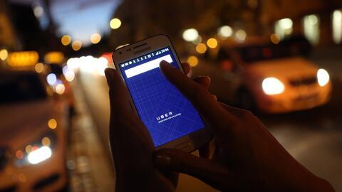 El gobernador Rick Scott de Florida firma la ley 'Uber-Lyft'