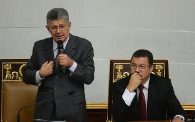 El presidente de la Asamblea Nacional, Henry Ramos Allup, y el vicepresi...