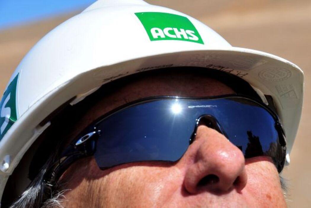 Además usarán gafas especiales para protegerse de la luz solar en el mom...