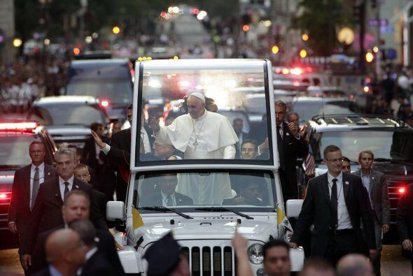 El paso del Papa por la Quinta Avenida.