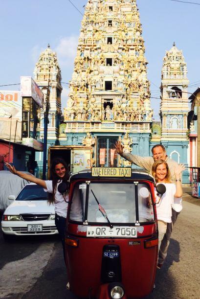 ¿Ya vieron cómo son los taxis en esta ciudad? Sin duda, un viaje muy exc...