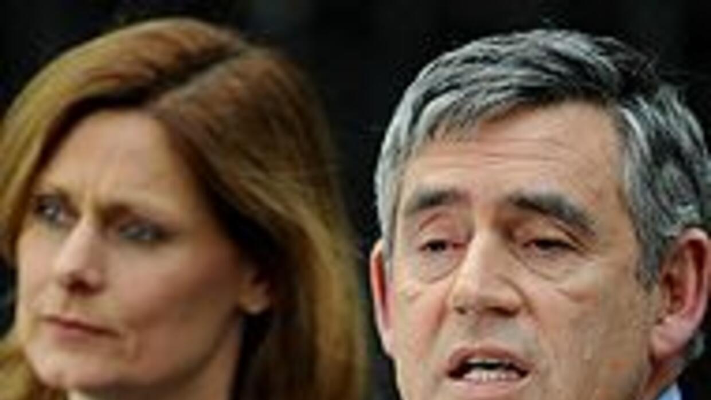 Gordon Brown dimitió como Primer Ministro de Gran Bretaña e3fde4aaf28d4c...