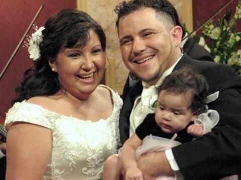 Ahora convertidos en una familia feliz Marlon y Erika empiezan una nueva...