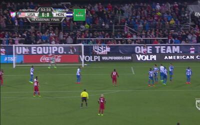 ¡Qué manera de volver! Golazo de Clint Dempsey para el 6-0 ante Honduras