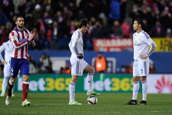 Real Madrid comenzó a desesperarse con un equipo que ciuerra muy...