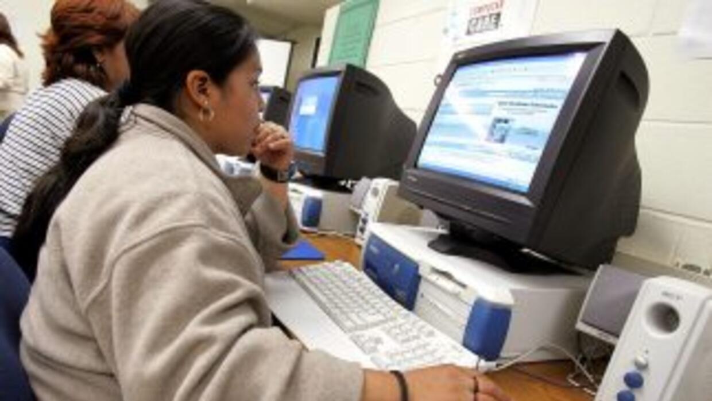 El estudio encontró que el tiempo que los usuarios hispanos pasan hacien...