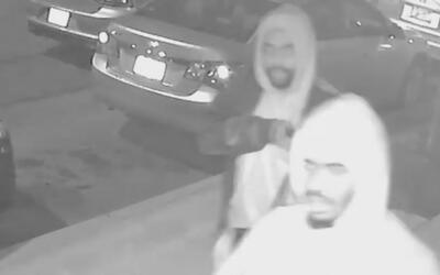 Dos delincuentes atracaron a una pareja de adolescentes en Brooklyn
