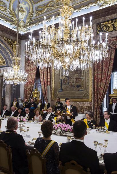 Los Reyes, el presidente mexicano y su esposa, Angélica Rivero, y los Pr...
