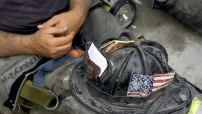 Tras los atentados de 11 de septiembre, bomberos de todo el país se apre...