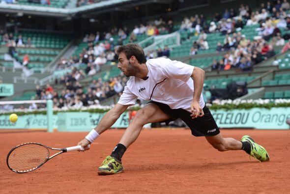 La superioridad de Ferrer fue evidente en el primer partido de la pista...
