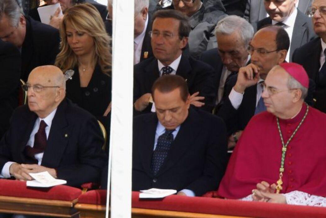 Berlusconi se convirtió en el protagonista de la beatificación de Juan P...