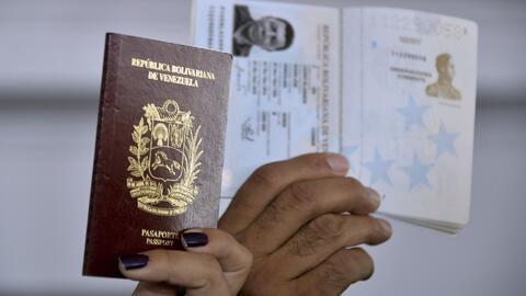 Pasaportes venezolanos estarían siendo vendidos a personas no nacidas en...