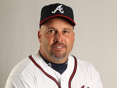 Fredi González, había sido el coach de tercera base de los...