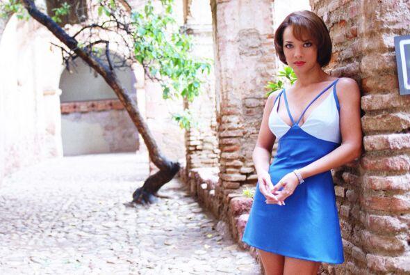 Adamari López es Mónica Iturralde, la malvada de la telenovela.