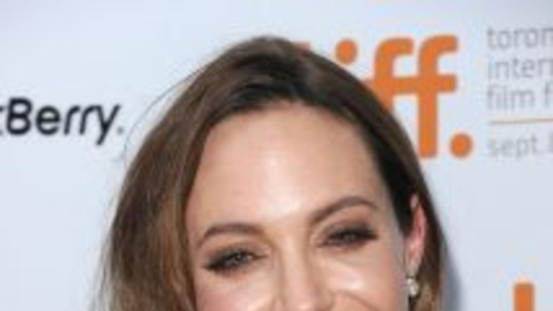 Angelina Jolie declaró a un medio estadunidense que aún es una chica mal...