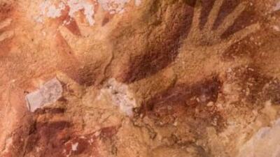 Imagen tomada por el arqueólogo Maxime Aubert y publicada por la revista...