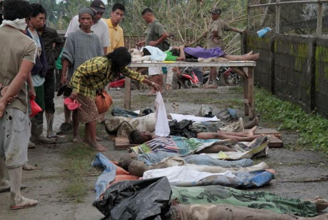"""La cifra de muertos por el tifón """"Bopha"""" en el sur de Filipinas se elevó..."""