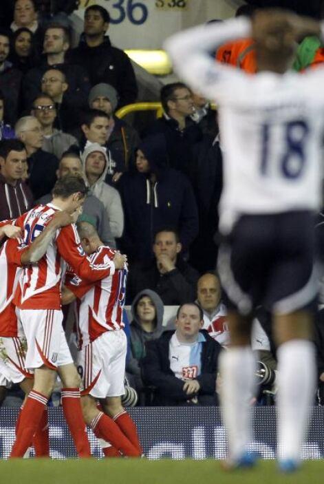 Cuando faltaban 15 minutos para el final del duelo, el Stoke se fue al f...