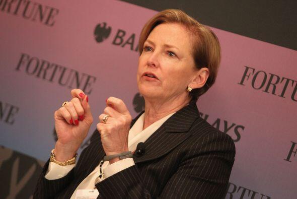 31.- ELLEN KULLMAN: Es la presidenta de la empresa Du Pont. Desde 2009 a...