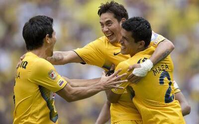 América derrotó 3 - 0 a Atlas en su presentación en el estadio Azteca