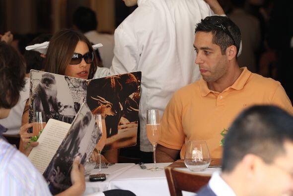 Según la demanda, Nick quiere impedir que Sofía los destru...