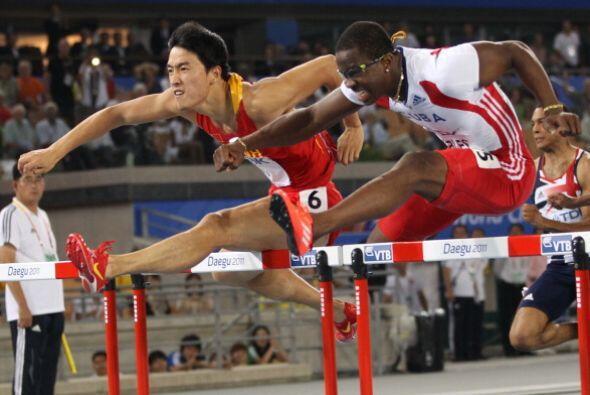 El cubano Dayron Robles perdió la medalla de oro en los 110 m con...