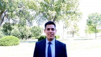 Decenas de jóvenes estudiantes, hijos de inmigrantes hispanos, fueron re...
