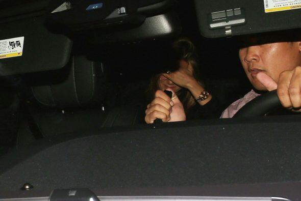 Jennifer Aniston no tuvo un buen inciio de noche antes de encontrarse co...