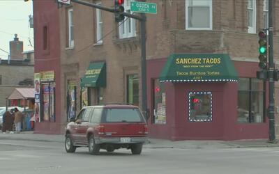Un hombre herido deja tiroteo dentro de taquería en el suroeste de Chicago