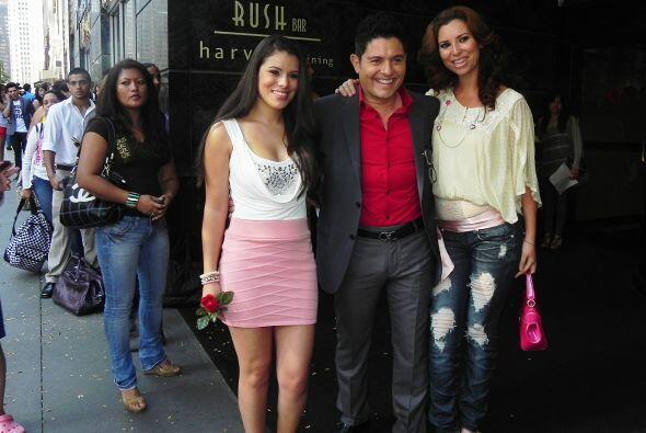 """La chica con la rosa escogió la canción de Selena  """"Como la Flor""""."""