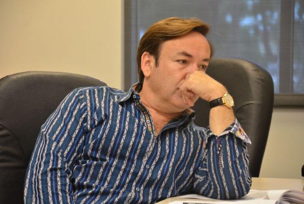 Por eso Javier Romero se concentra cuando Don Francisco hace comentarios...