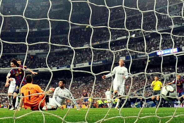 Nada pudo hacer Casillas y el Barcelona se ponía adelante 1-0. El 'Berna...
