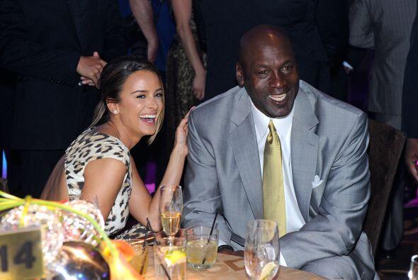 """Entre las parejas famosas incluir la frase """"diferencias irreconciliables..."""