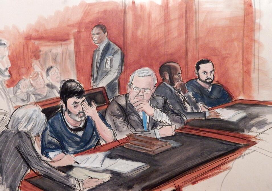 En este dibujo elaborado en un tribunal, Efraín Antonio Campo Flores, se...