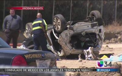 Pierden trágicamente la vida luego que su auto se saliera del autopista