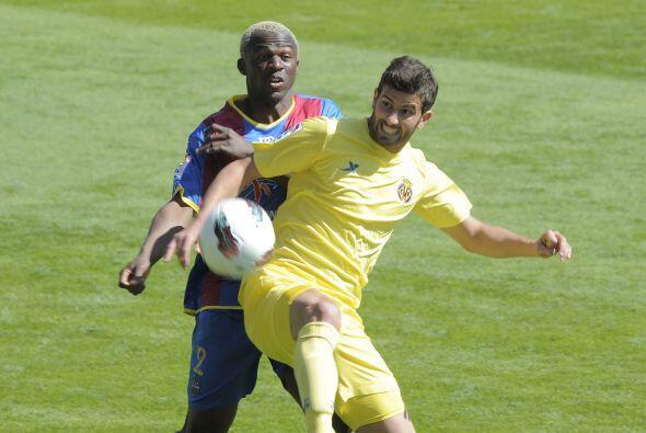 Villarreal acrecentó su crisis en España ante el Levante.