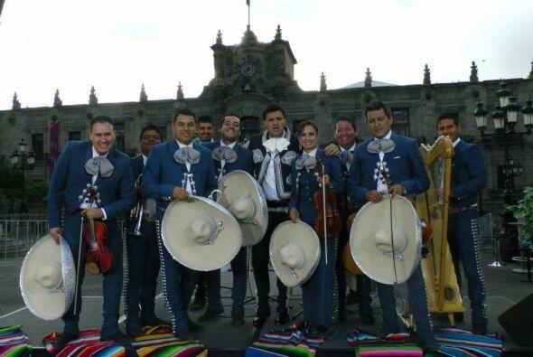 Paul invitó a todos los televidentes a venir a Guadalajara y disfrutar d...