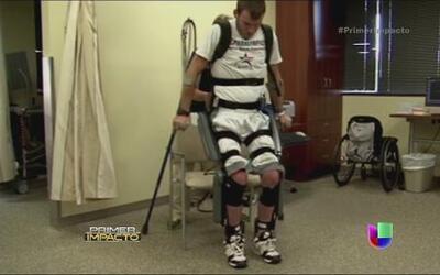 La tecnología hizo caminar a hombre paralítico de Texas