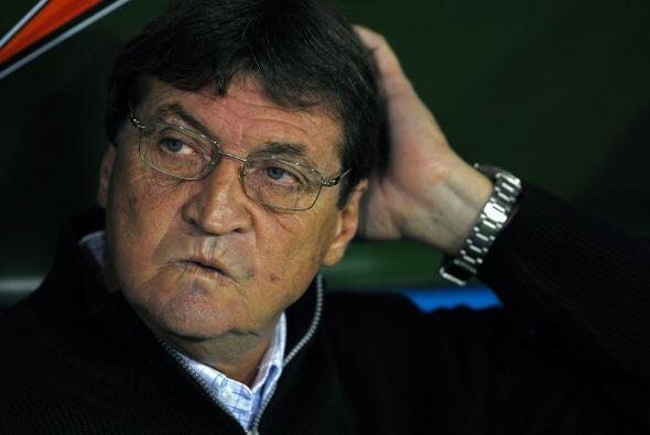 Boca tiene nuevo técnico, Julio Falcioni, y muchos rumores pero pocos fi...