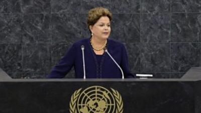 """Rousseff consideró """"totalmente inaceptable"""" el espionaje a empresas y di..."""