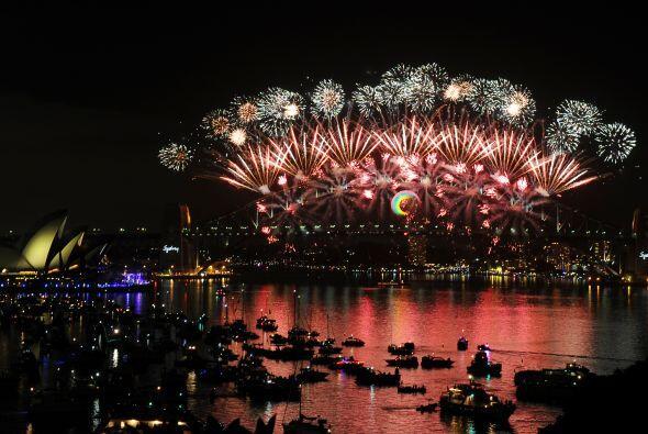 Sydney y Hong Kong abrieron el festival de extravagancias pirotécnicas