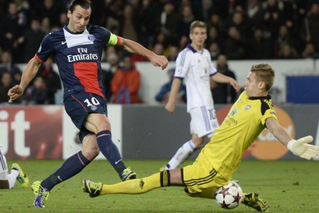 Pero dos minutos más tarde, el sueco Zlatan Ibrahimovic apareció para da...