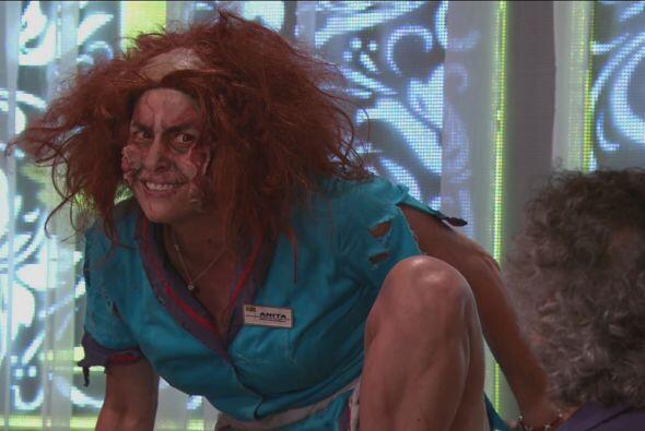 ¡Pero fue demasiado tarde! Anita ya estaba convertida en zombie.