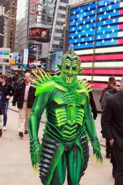 La coalición de Times Square está pidiendo ayuda para que autoridades es...